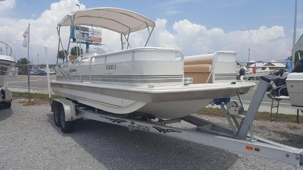 Hurricane 226 FUNDECK