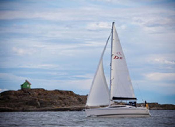 Delphia 33.3 Sailing