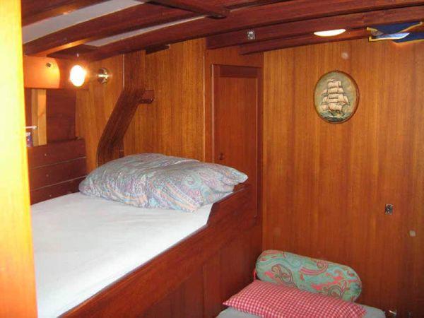 Carlini Sciarrelli skipper's cabin