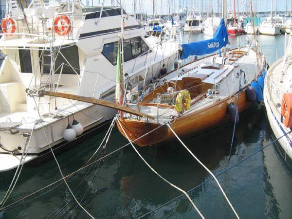 Carlini Sciarrelli moored