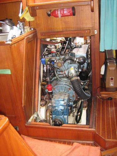 Carlini Sciarrelli engine room