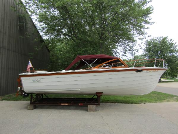Windsor Craft 26 Dayboat Exterior Profile