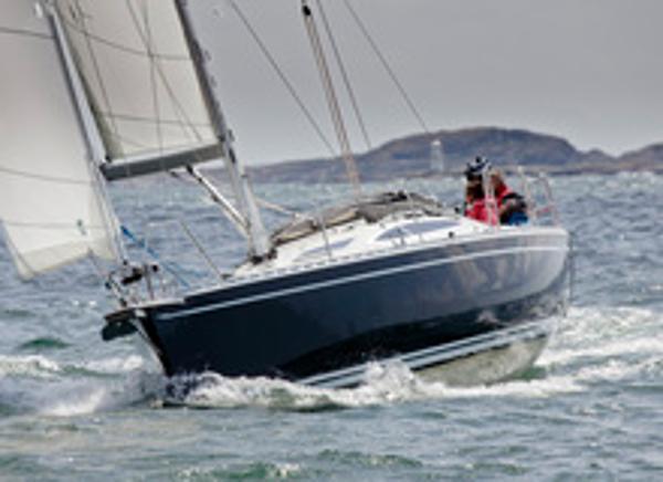 Delphia 37.3 Sailing