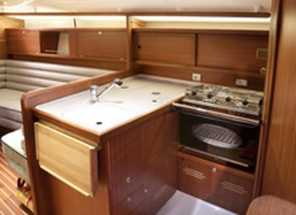 Delphia 37.3 Galley