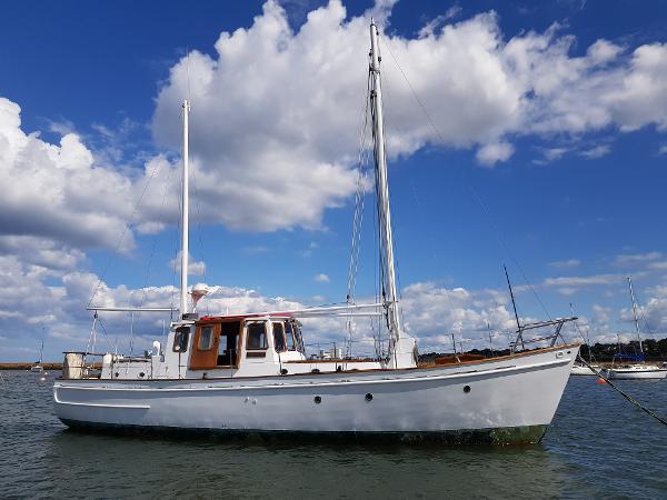 """Sole Bay Motorsailer 40ft Sole Bay Ketch - """"Simandy II"""""""