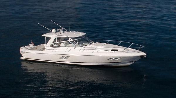 Intrepid 475 Sport Yacht Aerial