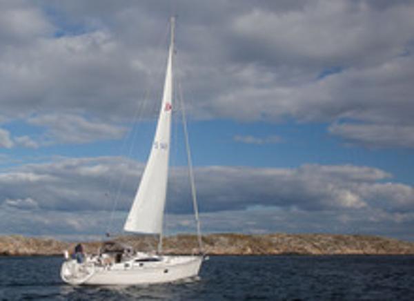 Delphia 40.3 Sailing