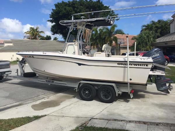 Grady-White 222 Fisherman Profile