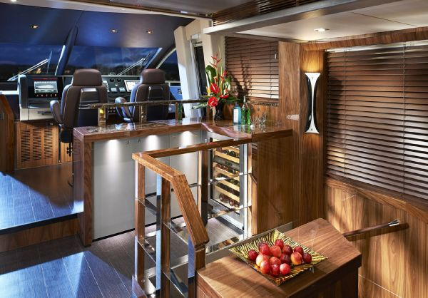 Sunseeker 28M Saloon Bar