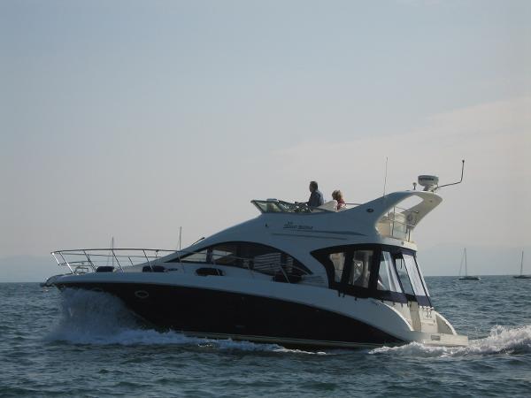 Sea Ray 375 Sedan Bridge