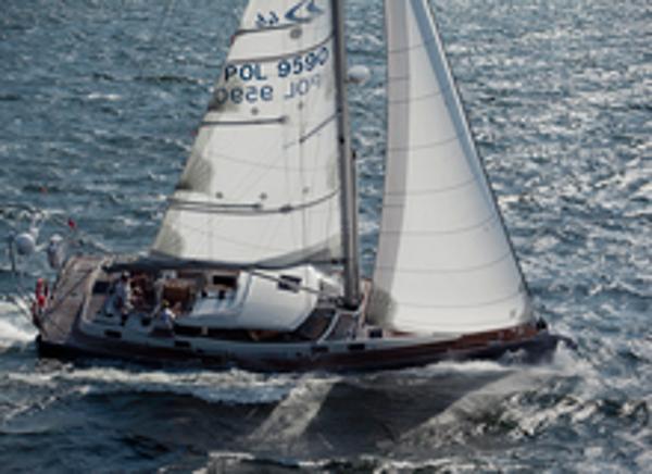 Delphia 46cc Sailing