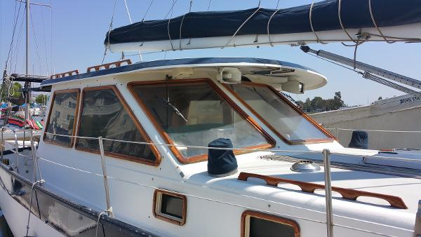 Lancer 44' Pilothouse Cutter