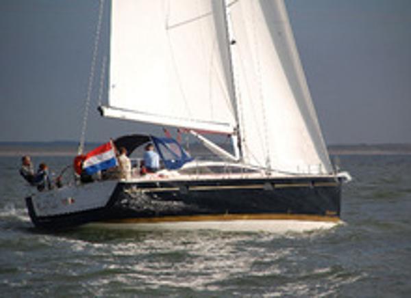 Delphia 47 Sailing