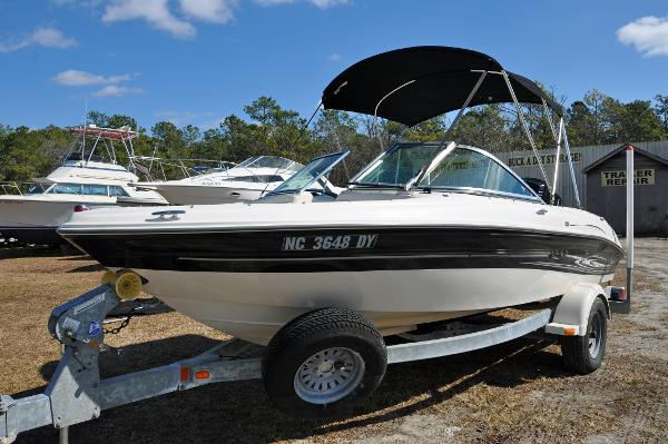 Sea Ray 18 Bow Rider Outboard