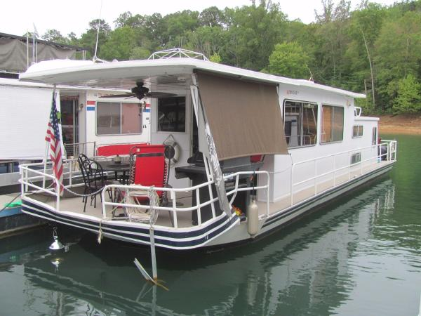 Sumerset Houseboats 12 x 45 with Catwalks