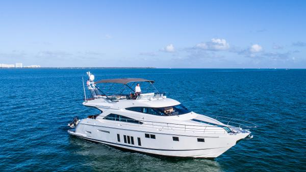 Fairline Squadron 65 65' Fairline Squadron