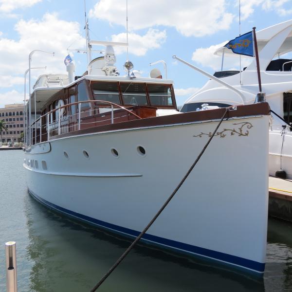 Trumpy Classic fiberglass hull