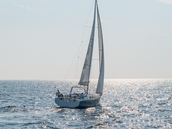 Beneteau Oceanis 38.1 Sistership