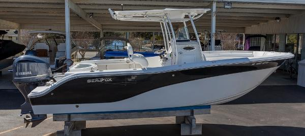 Sea Fox 256 Center Console