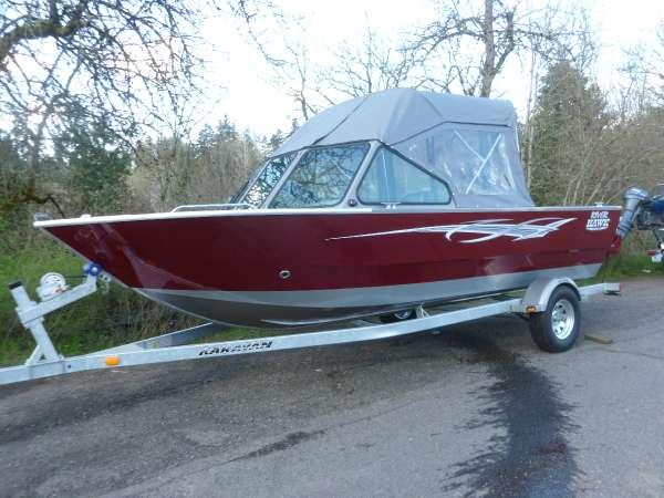 River™ Hawk Boats 19' GB