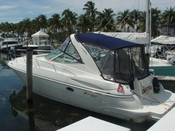 Cruisers Yachts 3470 Express Port Quater Profile