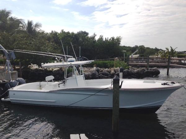 Gillikin Custom 32 Center Console Profile