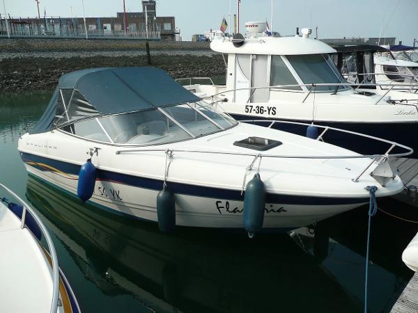 Bayliner 2352 Capri DX/LX