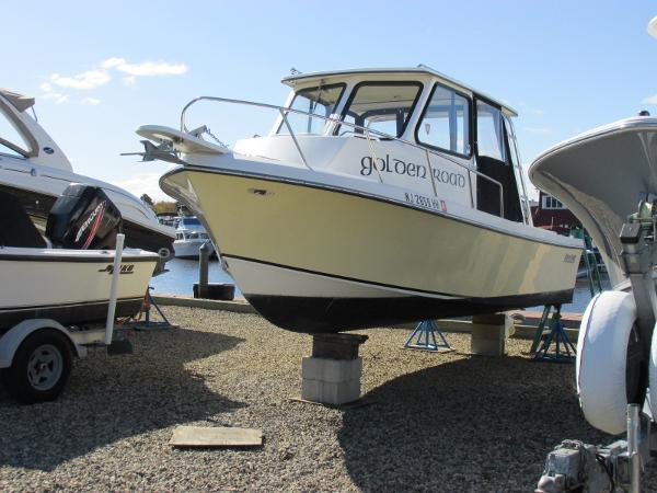 May-Craft 2300 Pilothouse Cabin