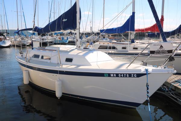 Ericson 26-2 Starboard