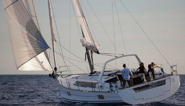 Beneteau Oceanis 48 26_1_Oceanis48Navega
