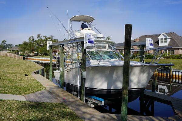 Albemarle 310 Express Fisherman Starboard Fwd Profile