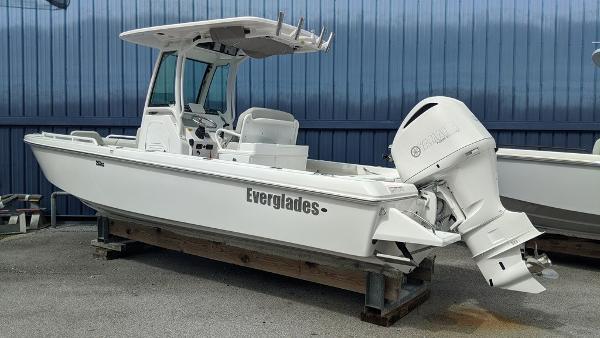 Everglades 253 Center Console