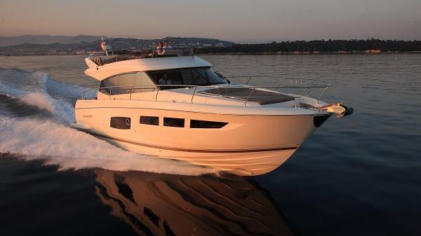 Prestige 550 Flybridge -PR15RT-067 Sistership Profile