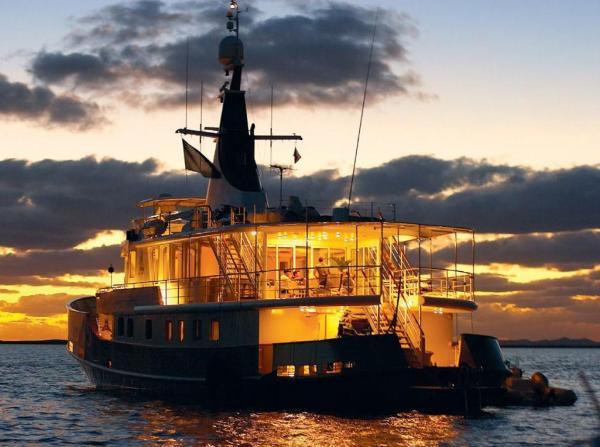Motor Yacht Custom