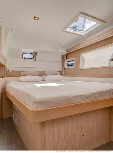 Lagoon 400 S2 Port Aft Guest Cabin