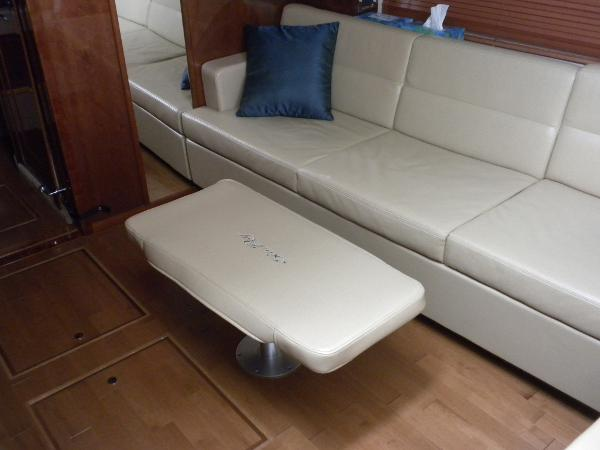 Pull out flexsteel couch