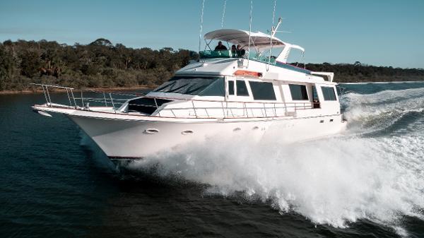 Viking Cockpit Motor Yacht Side profile