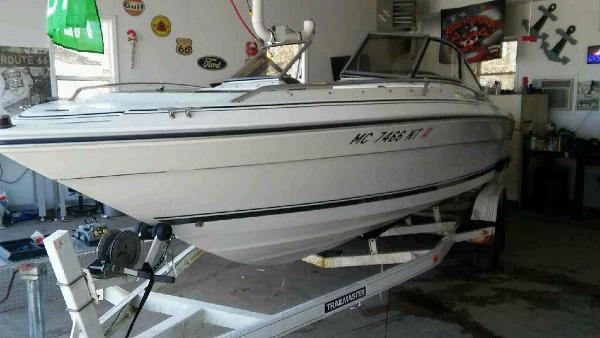 Sea Ray 220 Bow Rider