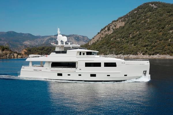 Mengi Yay Trawler 32M