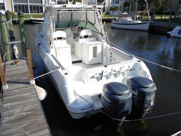 Aquasport 275 Explorer Alongside