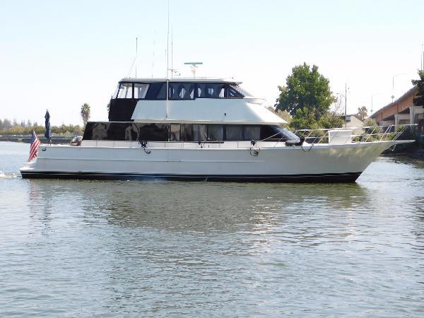 LA Conner Skylounge yachtfish