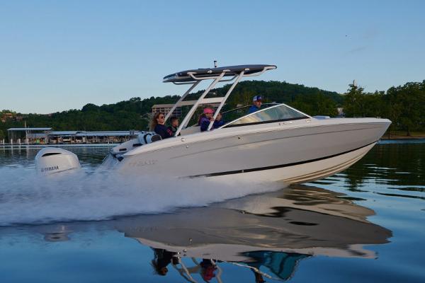 Cobalt R6 Outboard