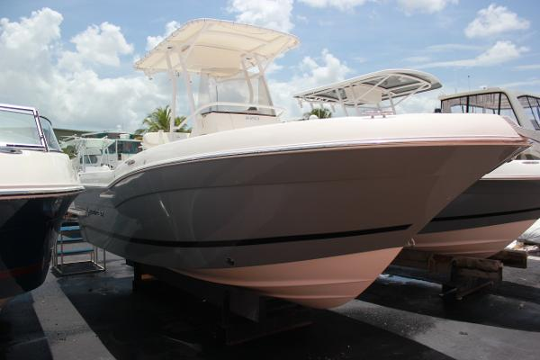 Striper 220 Center Console Starboard Bow