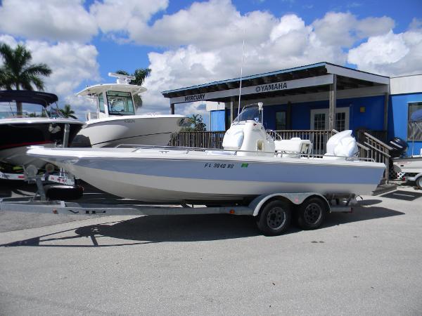 VIP 2230 Bay Stealth