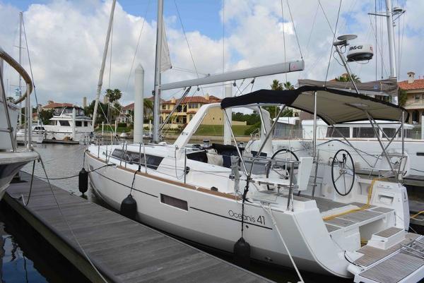 Beneteau America Oceanis 41 Generator