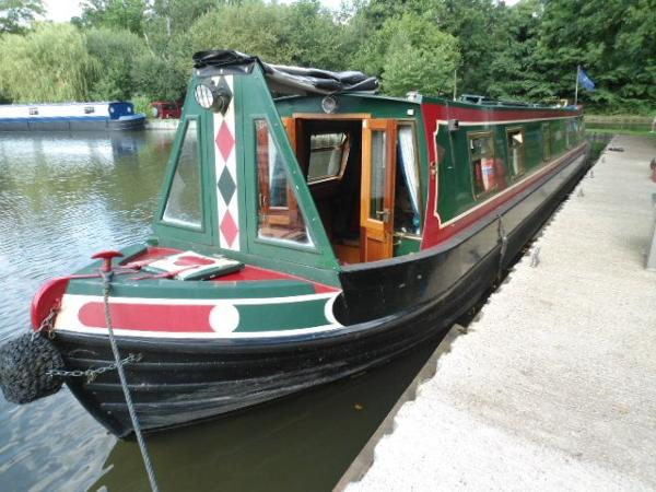 Narrow Boat Colecraft with Semi Traditional Stern Wayzgoose