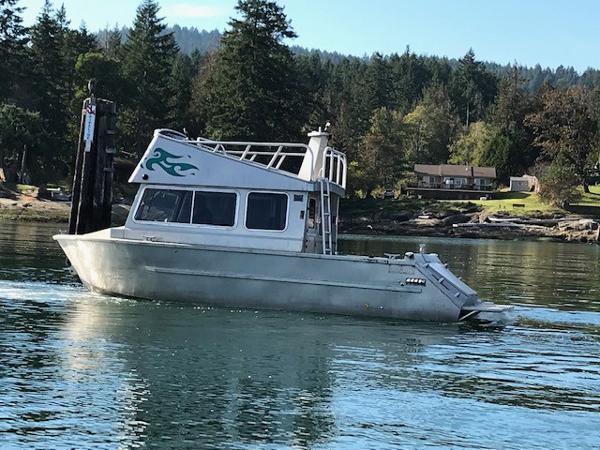 Aluminum Cruiser Custom Sport Fishing, Cruiser