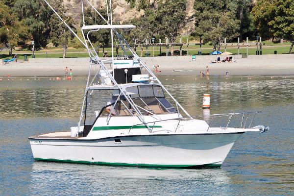 Topaz 29 Sportfisherman Starboard Bow