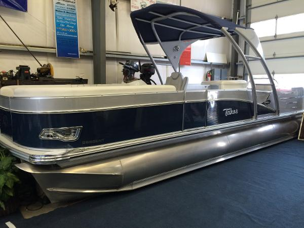 Tahoe Pontoon Cascade Entertainer - 25'