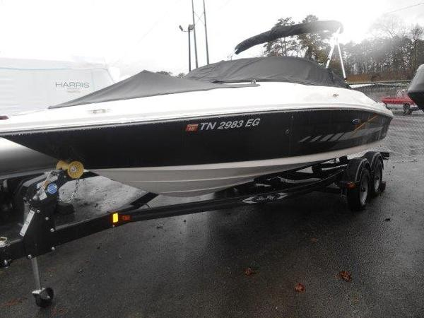 Sea Ray 205 Sport Profile